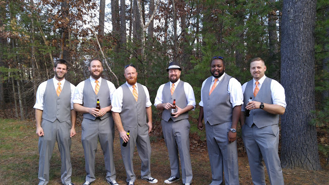 groomsmenoutside